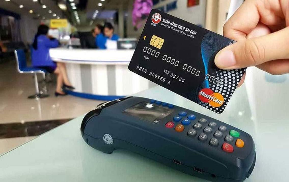 Những lưu ý khi rút tiền thẻ tín dụng tphcm