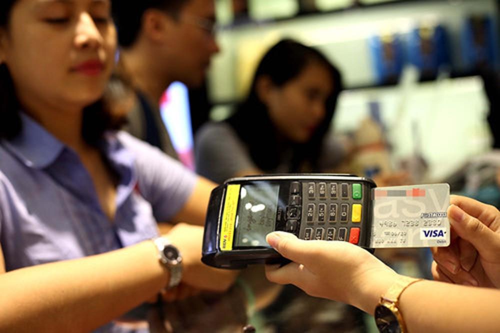 Đáo hạn thẻ tín dụng tránh quá hạn